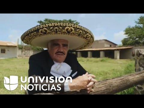 Vicente Fernández interpretó un corrido en apoyo a Hillary Clinton