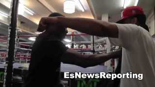 mayweather vs maidana oscar de la hoya talks about the shoulder roll defense EsNews Boxing
