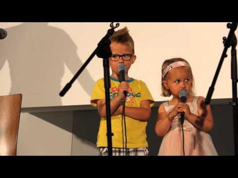 Wesley en Hilse zingen 'God kent jou vanaf het begin'