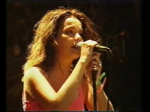 Bjork - One Day, Venus As A Boy Live Glastonbury Festival 25.06.94