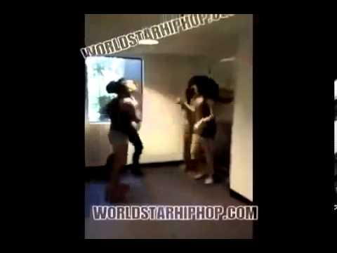 College Girls Twerking from YouTube · Duration:  3 minutes 12 seconds