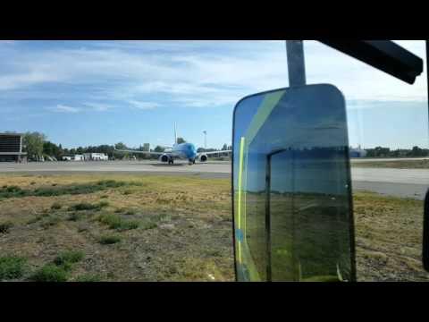 Desde otro ángulo, reviví la despedida de un piloto en el Aeropuerto de Neuquén