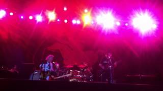 "Neil Young & Crazy Horse - ""Love to Burn"" ( Istanbul, 15.07.2014 )"