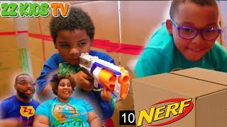 ZZ Kid's Big Box Fort Nerf Maze Challenge!