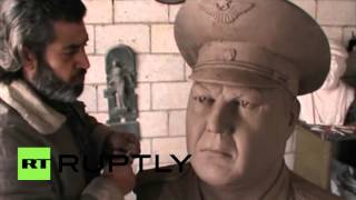Syria: Homs artist sculpts bust of downed Russian pilot in thanks for support
