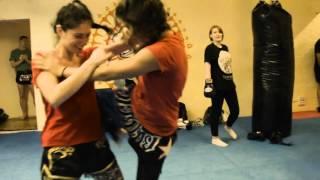 Thaiboxen Frauengruppe im Ringside Gym Berlin