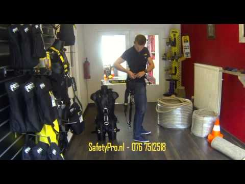 2859b3a44b9 Petzl Avao Bod Fast Instructie - SafetyPro - YouTube
