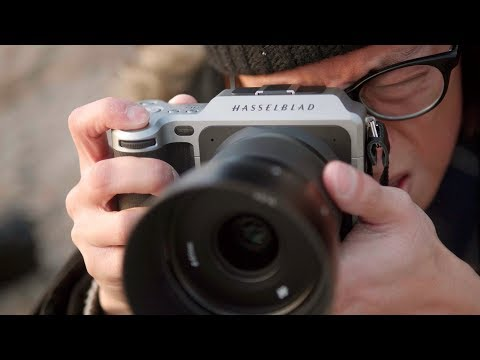 Hasselblad X1D - 50MP Medium Format Mirrorless Camera Review!
