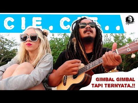 ini baru asik nyanyi di pinggir pantai di temenin Bule,  SERENADA (cover) ukulele by Dellu uyee