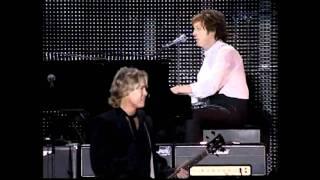 Paul McCartney -  Let 'Em In (Argentina DVD 2010)