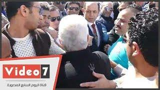 شاهد.. كيف صافح مرتضى منصور أحمد سليمان فى انتخابات الزمالك