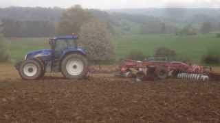 New Holland TVT195 with Kuhn Discoverer discs