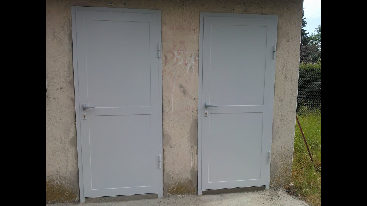 Confection d 39 une porte en t le tuto youtube for Porte en acier pour cabanon