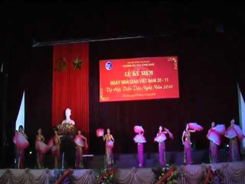 Múa Quạt Việt ĐH Công Nghệ