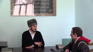 Русский мужчина приехавший в г Буйнакск из Москвы принимает ИСЛАМ.