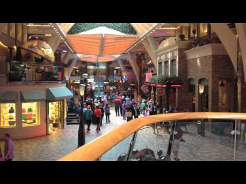 Quick Video: Rising Tide Bar On Oasis of the Seas - 10/2014