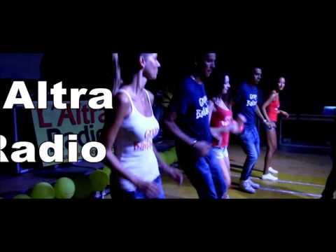 Luna e l'altra - Radio Italia TV - Live Emma #EssereQui from YouTube · Duration:  3 minutes 43 seconds