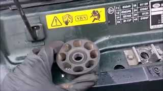 Land Rover Discovery 300tdi: belt tensioner bearing replacement