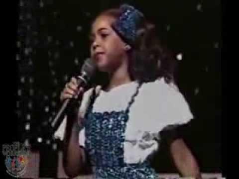 Beyoncé at 7 Years Old Performing
