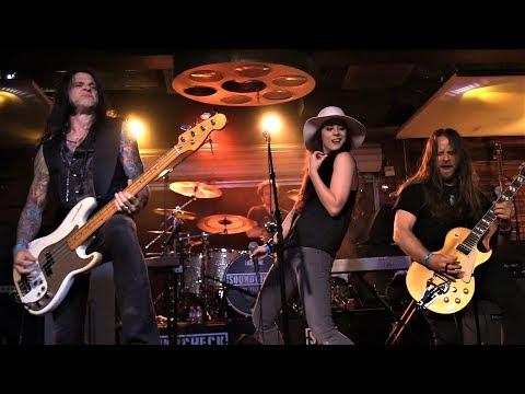 GLEN SOBEL/NITA STRAUSS/JASON HOOK set with Beasto Blanco/Alice Cooper band members