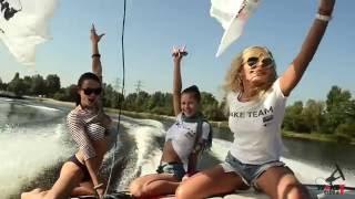 Вейкборд Клуб в Киеве. Wakeboarding в Украине. Обучение вейкбордингу на катере Mastercraft X-Star.