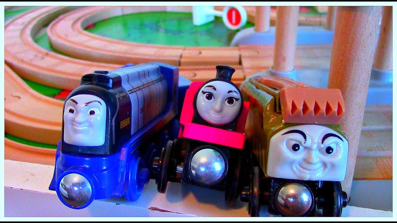 Thomas and Friends Wooden Railway Racing Vinnie & Ashima ...
