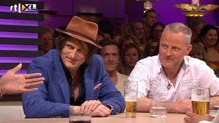 Spike: Een gitaar moet rammelen - RTL LATE NIGHT