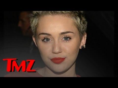 Gossip | Miley Cyrus Tokin' A Blunt!