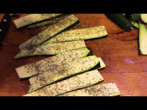 courgettes-aux-herbes-de-provence,-grillées-à-l'huile-d'olive-au-barbecue