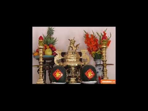 Hoa đặt bàn thờ: NÊN và KHÔNG NÊN chọn loại nào?