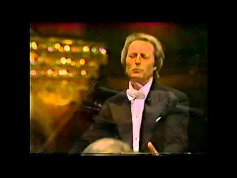 Giulini dirige Beethoven 9ªLAPO(complete)