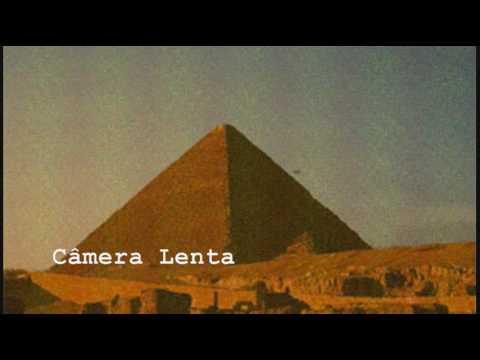 Descoberto filme arqueológico de OVNI no Egito
