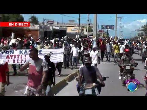 An Dirèk nan Lari P-AU-P , Manifestasyon