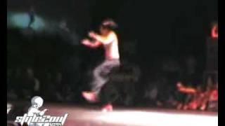B-Girl Battle 2004: Emilie vs Babyson
