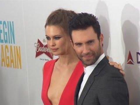 adam maroon 5 dating victoria's secret model
