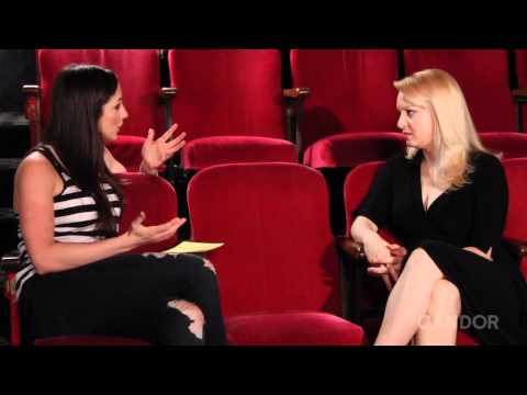 Wendi McLendon-Covey Interview - YouTube