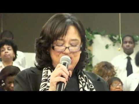 Minister Lorraine Chinn