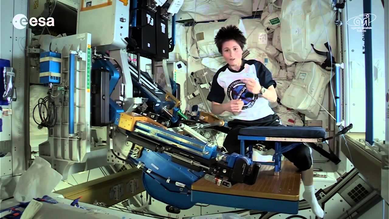 Using the Space Gym With Samantha Cristoforetti | ISS Video - YouTube