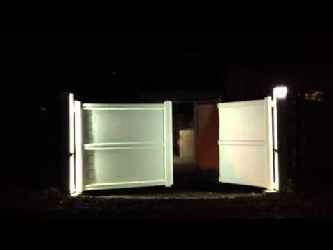 portail aluminium avec eclairage par led youtube. Black Bedroom Furniture Sets. Home Design Ideas