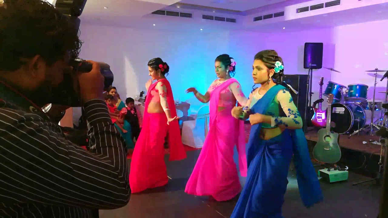 surprise dance at tharindu and dilinis wedding youtube
