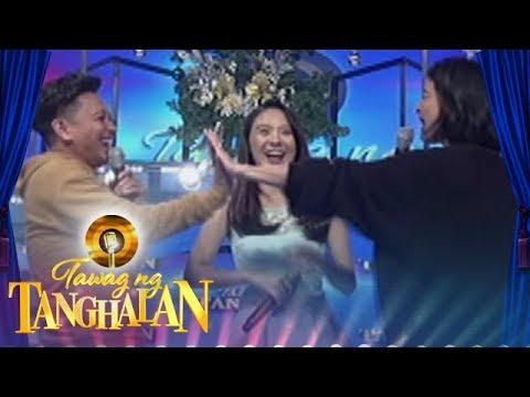 Tawag ng Tanghalan: Anne 'high-fives' Jhong for his joke