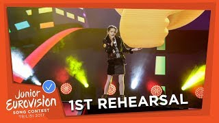 Video EXCLUSIVE REHEARSAL FOOTAGE - MARIANA VENÂNCIO - YOUTUBER - PORTUGAL 🇵🇹 - JUNIOR EUROVISION 2017 download MP3, 3GP, MP4, WEBM, AVI, FLV November 2017