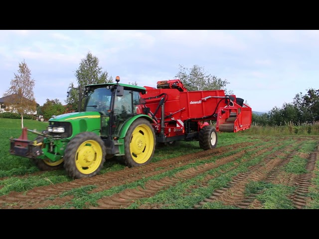 Carrot harvester DEWULF GBC with John Deere 5820 tractor - Andershornstein AB Sweden