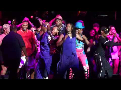 MC Hammer - Can't Touch This (Staples Center, Los Angeles CA 9/8/17)