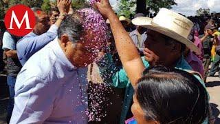 Gobernador de Guerrero se reúne con pobladores tras las 10 víctimas asesinadas