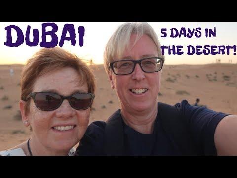 DUBAI, UAE: DUBAI MALL, AQUARIUM & ZOO