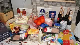 Купили много продуктов на Новый Год