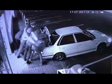 Armed robbery at BP petrol station in Western Cape! #4