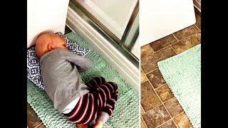 Когда мама была в душе, малыш лёг на коврик и прошептал: я хочу на небеса. Я плакал!