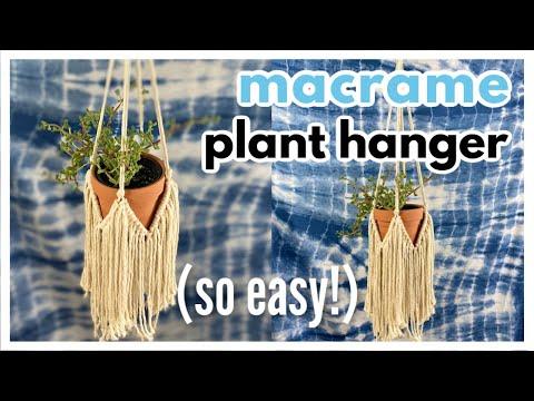 easy-macrame-plant-hanger-with-fringe-//-diy-tutorial